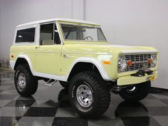 Antique Trucks, Vintage Trucks, Jeep 4x4, Old Pickup Trucks, Chevy Trucks, Lifted Trucks, Ford Bronco For Sale, Ford Ranger Truck, Classic Ford Broncos