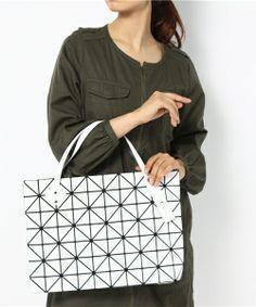 9164b773f120 Issey Miyake BAO BAO Tote bag BILBAO ROCK BASICS Zip Top White