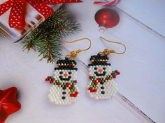 Snowman earrings Christmas earrings Winter earrings Snowman Jewelry Holiday Earrings Christmas bead earrings Christmas gift for her Beaded Earrings Patterns, Seed Bead Patterns, Beading Patterns, Bead Earrings, Seed Bead Projects, Beading Projects, Beaded Christmas Ornaments, Christmas Earrings, Seed Bead Jewelry