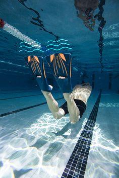 be3239d9c74a7 Perfecciona tu técnica y gana velocidad y resistencia con las Aletas de  entrenamiento TopFins de Nabaiji.  Swim  Deporte  Decathlon