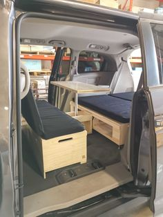 Turn your minivan with the Roadloft Camper Conversion Kit in just a few minutes without any permanent modification. Van Conversion Campervan, Ford Transit Conversion, Minivan Camper Conversion, Suv Camper, Truck Bed Camper, Van Conversion Interior, Camper Van, Honda Odyssey, Odyssey Van