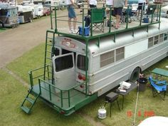 The best part just may be the panoramic roof that stretches almost the full length of the camper and bathes the interior with a great deal of pure light School Bus Tiny House, School Bus House, Motorhome, Bus Restaurant, Casa Bunker, Bus Remodel, Converted Bus, Rv Bus, Bus Living