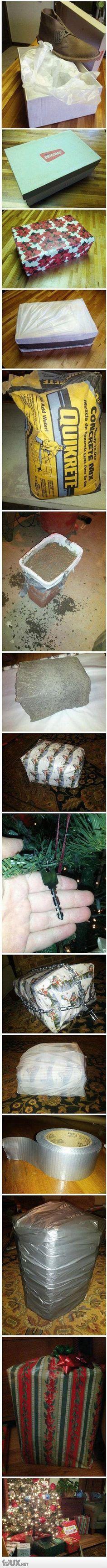 Wie man ein Geschenk so richtig verpackt