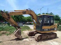 CATERPILLAR E70B small excavator, 0.3m³ CAT E70B mini digger Small Excavator, Excavator For Sale, Digger, Caterpillar, Military Vehicles, Army Vehicles, Butterfly