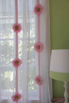 Pink Daisy Flower Garland 2pcs Set for Girls Room Nursery Flower Dcor Window Treatment