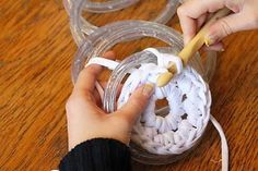 5 creative crochet techniques including crocheting over a rope light or wire. Crochet Diy, Crochet Home, Crochet Crafts, Crochet Projects, Craft Projects, Crochet Ideas, Unique Crochet, Project Ideas, Knitting Patterns