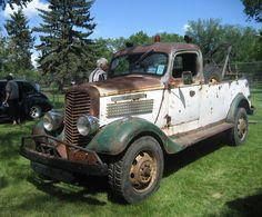 Rusted Tow Truck maybe International Hot Rod Trucks, Big Rig Trucks, Tow Truck, Cool Trucks, Pickup Trucks, Chevy Trucks, Antique Trucks, Vintage Trucks, Antique Cars