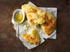 Juustovatruskat Camembert Cheese, Dairy, Pizza, Food, Essen, Meals, Yemek, Eten