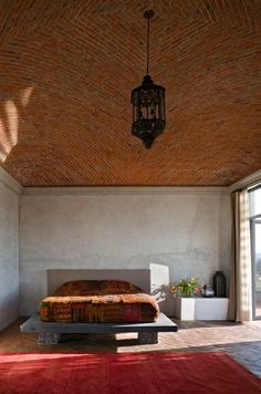 BEAUTIFUL brick bodega bedroom - house near San Miguel de Allende, mexico. Love Mexican homes with these ceilings