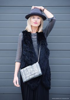Mirror of Fashion: OUTFIT. HAT OVER HEELS