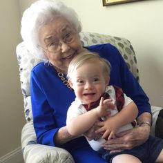 The original Gerber baby meets the current Gerber baby via aww on June 06 2018 at
