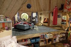Steal Cyd and Shelby's 'Best Friends Whenever' Room Style 16 - M Magazine Cute Bedroom Ideas, Awesome Bedrooms, Dream Rooms, Dream Bedroom, Cool Girl Rooms, Disney Channel, Movie Bedroom, Friends Apartment, Apartment Ideas