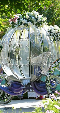 It's the carriage from Cinderella. There was a wedding at the Disneyland Hotel and the Bride came up in this Fairytale Wedding Fairytale Weddings, Cinderella Wedding, Princess Wedding, Cinderella Carriage, Cinderella Coach, Fairytale House, Disney Weddings, Wedding Looks, Diy Wedding