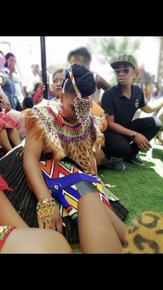 Zulu bride Zulu Traditional Wedding Dresses, Zulu Traditional Attire, African Traditional Wear, Traditional Outfits, Traditional Ideas, Traditional Weddings, African Wedding Attire, African Attire, African Weddings
