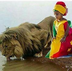 Bob Marley Birthday, Rastafari Art, Rasta Art, Rasta Lion, Reggae Art, Bob Marley Pictures, African American Beauty, African Royalty, Cross Art