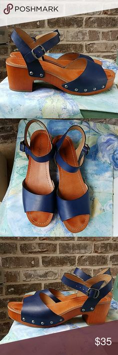 Lucky Brand Blue Clog Sandals Casual, cute and on trend! You need these. Excellent condition! Lucky Brand Shoes Sandals