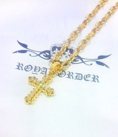 GP34-T-D  TINY CONSORT CROSS w/ DIAMONDS 18K GOLD  ¥270,000-(税込)