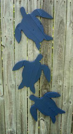 Set Of 3 Rustic Wooden Sea Turtles Beachy by Wood Yard Art, Scrap Wood Art, Beach Hut Decor, Styrofoam Art, Turtle Crafts, Wood Fish, Beach Wood, Wood Cutouts, Pallet Art