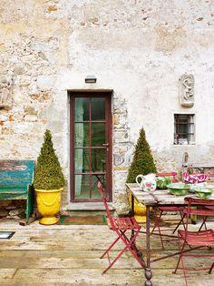 Porche de la casa de campo en la Toscana