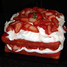 Soda Pop Cake Recipe ~ white cake mix, strawberry flavored Jell-O, instant vanilla pudding, strawberry pop, whipped topping