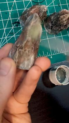 Diy Crafts Hacks, Crafts To Make, Easy Crafts, Arts And Crafts, Paper Crafts, Dungeons And Dragons Game, Model Train Layouts, Miniature Crafts, Stone Crafts