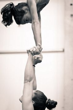 Hand to Hand circus Cheer Stunts, Cheer Dance, Cheerleading, Aerial Hammock, Aerial Silks, Female Base, Acrobatic Gymnastics, Circus Art, Partner Yoga