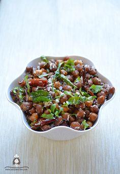 Laavy's Kitchen - A food blog by Laavy: Kala Chana / Kondakadalai Sundal - Navaratri recipes