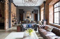 Különleges otthonok: vörös tégla, modern, klasszikus és ipari elemek egy látványos loftban - Lakberendezés trendMagazin