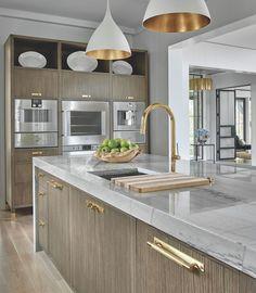 Minimalist Home Interior The Art of Fine Fitted Furniture by OBrien Harris Home Decor Kitchen, Kitchen Furniture, Kitchen Interior, New Kitchen, Kitchen Ideas, Kitchen Pulls, Gold Kitchen, Kitchen Hardware, Cheap Kitchen