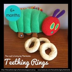 My 5 month old isn& all that coordinated holding rusks but give him a ring shape and he is set. These are perfect for him to hold on to and try to munch on. My rusk recipes: Teething Rings Oatmeal Rusks Banana Biscotti Rusks Baby Rusk Recipe, Baby Biscuit Recipe, Toddler Meals, Kids Meals, Toddler Food, Oscar Food, Teething Biscuits, Baby Teething, 5 Month Baby
