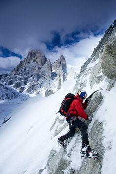 David Lama climbs a rock face, approaching Cerro Torre in Patagonia, Argentina. Alpine Climbing, Ice Climbing, Mountain Climbing, Trekking, Outdoor Outfitters, Hiking Photography, In Patagonia, Kayak, Life Photo