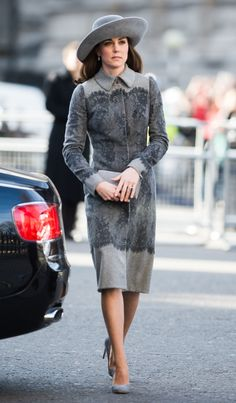 Here's a Crazy Theory About Why Kate Middleton Always Carries a Clutch