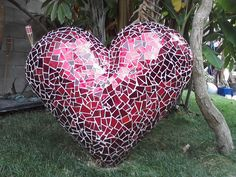 Google Image Result for http://2.bp.blogspot.com/-PC_lhuTRFsc/TlSD9KSoQTI/AAAAAAAAEMA/XuJQUzbnRZw/s1600/robins-sculpture-garden-heart.jpg