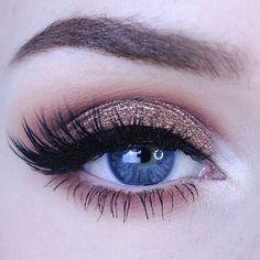 Beautiful glam created by @kaylahagey using shades from our #tartelette2 palette! #tartecosmetics #tarteletteinbloom #eyelovetarte #naturalartistry