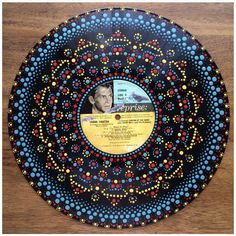 Dot Art Painting, Mandala Painting, Stone Painting, Painted Canvas, Painted Rocks, Vinyl Record Crafts, Aboriginal Dot Art, Pinterest Diy Crafts, Mandala Dots
