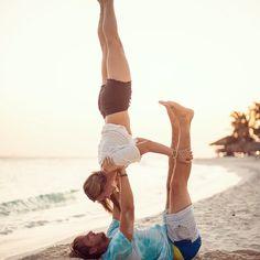 Love... Upside down #acroyoga #love #soulmate #beach #ocean #yoga #yogaeverydamnday #life #sunset #bslance