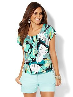 Pleated Scoopneck Top - Floral - New York & Company
