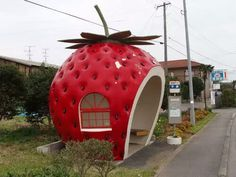 Shared by Enjy the silence. Find images and videos about kawaii, strawberry and bus stop on We Heart It - the app to get lost in what you love. Vintage Glam, Red Aesthetic, Aesthetic Pictures, Aesthetic Photo, Strawberry Fields, Strawberry Shortcake, Strawberry Kitchen, Strawberry Sauce, Fairy Houses