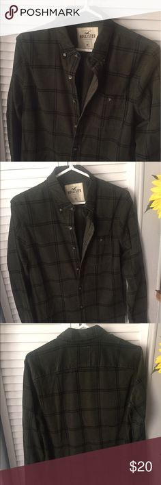 Men's Dark Green Flannel This is a men's dark green flannel in size medium from Hollister. It is new and it hasn't been worn. Have a nice day and let me know if you have any questions. Hollister Shirts Casual Button Down Shirts