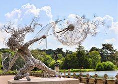 Mirando al mundo con sentimientos: Hadas bailando con dientes de león : esculturas de...