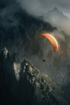 Hang gliding I'm gonna try this maybe not in this level but... I will do it!!