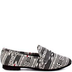 Eltonn - Black White by Steve Madden Black And White Flats, White Heels, Shoe Story, Loafer Flats, Loafers, White Brand, Buy Shoes, Ballet Flats, Steve Madden