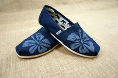 Hibisco flor TOMS Shoes por themattbutler en Etsy