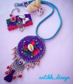 😊🍀🏵 💖🌼🌷🌻🌸🌹🐞 👉 WhatsApp no 05353592627 Fabric Jewelry, Diy Jewelry, Jewelery, Crafts For Teens, Diy And Crafts, Arts And Crafts, Bamboo Crafts, Mixed Media Jewelry, Sewing Pillows