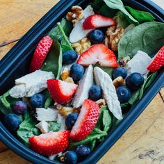 Abs are made in the gym & revealed in the kitchen ❤️ lunch today is spinach with chicken, blueberries, strawberries & walnuts topped with balsamic vinaigrette  #MealPrep #FitFood #MealPrepMaster