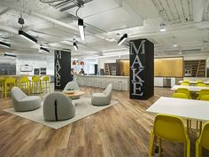 Find out the six commercial flooring trends taking over the interior design industry. From mixing and matching, to incorporating flooring products on walls, here are the 2018 interior design trends focused on flooring. Open Office, Mazda 3, Coworking Space, Cafe Restaurant, Plank, Interior Design Atlanta, Luxury Interior, Interior Wall Colors, Interior Paint