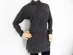 Sueter gris largo, ideal para unos jeans o leggins! Consíguelo en www.boneca.mx