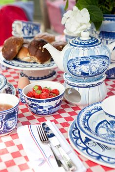 Delfts Blond pottery by Blond-Amsterdam