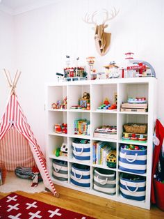 Toy storage ideas living room for small spaces. Learn how to organize toys in a small space, living room toy storage furniture, and DIY toy storage ideas. Kids Storage, Cube Storage, Storage Ideas, Storage Solutions, Organization Ideas, Bedroom Organization, Storage Baskets, Wall Storage, Toy Storage Shelves