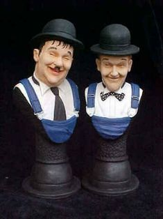 BUY:Laurel and Hardy in THE MUSIC BOX BUSTS.